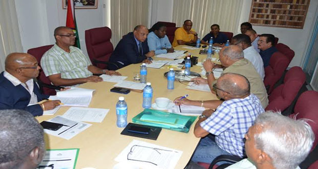 Minister of Governance, Raphael Trotman meeting with members of the Guyana Gold and Diamond Miners Association. (June 27, 2015)
